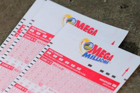 Mega Millions winning numbers tonight: 2, 8, 42, 43, 50 and MegaBall 6 – live updates – CBS News