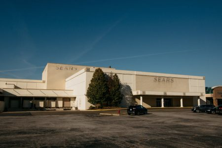 Sears to Stay Open Another Week; Auction Set for Monday – The New York Times