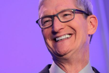 Apple just signed a deal with its former top rival, Samsung, showing how the company's changing – CNBC