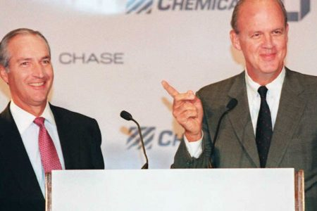 Walter Shipley, the former chairman of Chase Manhattan, dies at 83 – CNBC