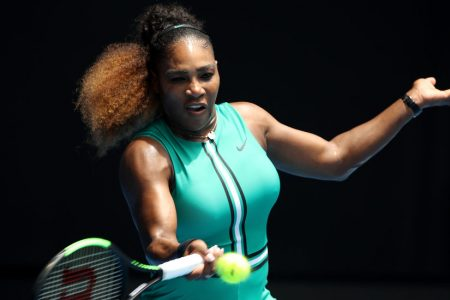 Serena Williams Turns Back the Clock in Easy Victory – The New York Times