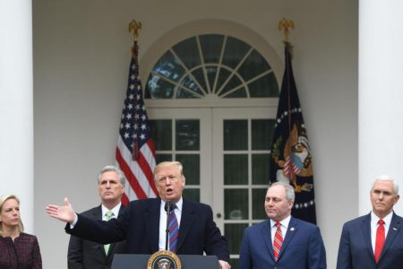 Pay raises frozen for Pence, Cabinet members until shutdown is over – CNN