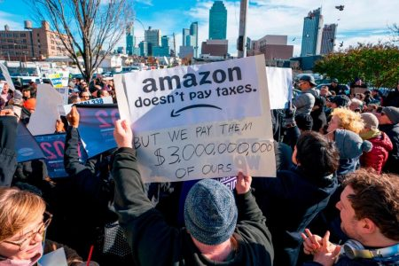 Amazon tries to win over New Yorkers with ad campaign – CNN