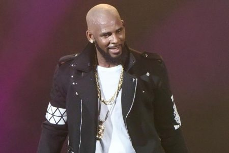 Warrant issued for R. Kelly's former manager – CNN