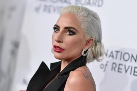 Lady Gaga speaks out on R. Kelly and plans to remove song collaboration from iTunes – CNN