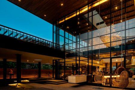 Starbucks' new Bali store is designed for tourists – CNN