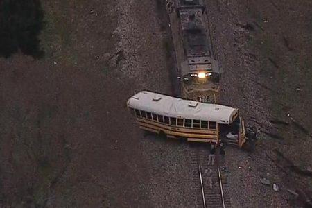 1 child killed, 1 hurt in Texas train-bus collision – CNN