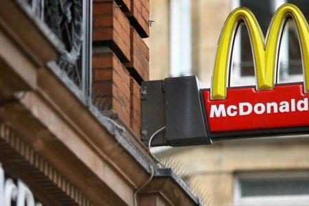 Brexit: Supermarkets and restaurants warn on food prices – CNN