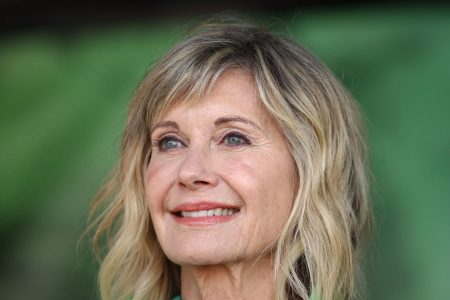 Olivia Newton-John Clears Up Rumors She's 'Clinging To Life' With Video Message – HuffPost