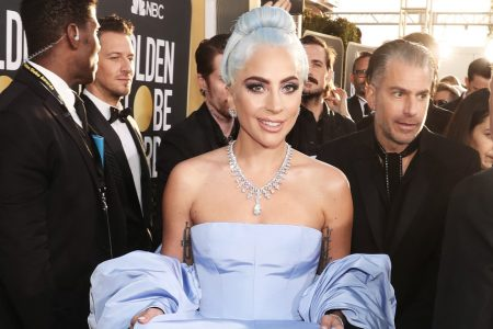 We're Off The Deep End For Lady Gaga's Judy Garland-Inspired Golden Globes 2019 Look – HuffPost