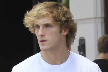 Logan Paul Says He Plans To 'Go Gay' For A Month, But Twitter Users Aren't Amused – HuffPost