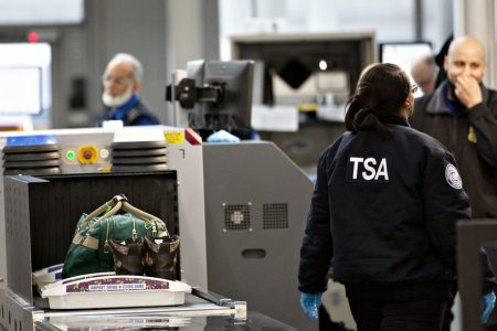 TSA Worker Absences Surge Amid Government Shutdown – HuffPost