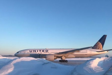 Passengers were stuck on a United Airlines plane overnight after a medical emergency forced it to land in Canada – Business Insider