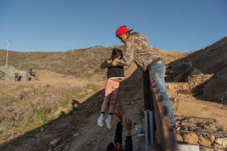 Democrats should support Trump's plans to solve border crisis and reopen government – Fox News