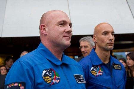 Astronaut Accidentally Calls 911 from Space – Newsweek
