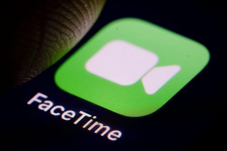 Apple scrambles to fix FaceTime bug that lets people spy on you – Fox News