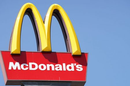 McDonald's employees praised for reopening restaurant for little girls after father's DUI arrest – Fox News