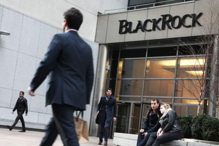 US court throws out BlackRock fund fees lawsuit – CNBC