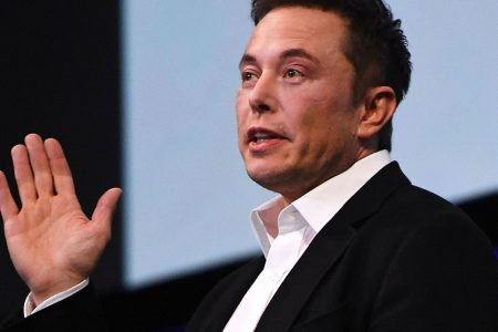 It seems impossible that Tesla will have full self-driving car tech ready in a year, says analyst – CNBC