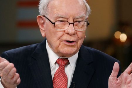 Berkshire trimmed its Apple stake, but it reportedly wasn't Buffett's idea – CNBC