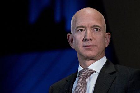 Jeff Bezos faces off against National Enquirer publisher—Watch five experts break it down – CNBC