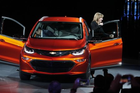 GM is going 'all-electric,' but it doesn't expect to make money off battery-powered cars until early next decade – CNBC