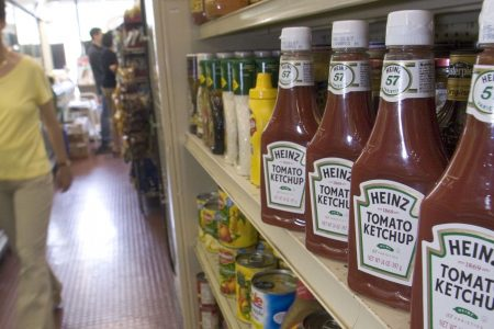 Changing consumer trends have contributed to Kraft Heinz's troubles, retail analyst says – CNBC