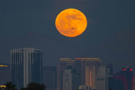 How to see the biggest, brightest supermoon of 2019 – NBC News