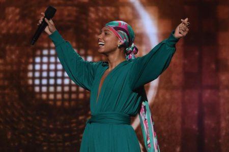 Alicia Keys hits perfect notes as Grammys host – CNN