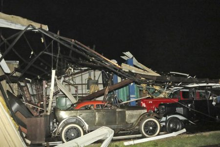 1 killed in Mississippi tornado as storms drench the South – NBCNews.com