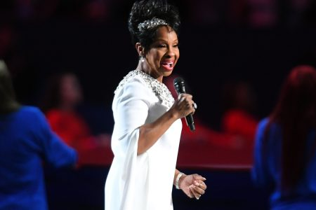 Gladys Knight causes Super Bowl prop bet controversy with rendition of national anthem – USA TODAY