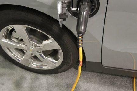 Ground-breaking electric Chevrolet Volt runs out of juice – The Associated Press