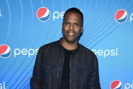 'Extra' host A. J. Calloway suspended amid sexual misconduct investigation – USA TODAY