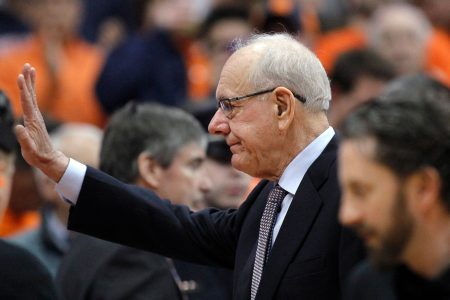 Syracuse honors man killed by Jim Boeheim; coach gets standing ovation before Duke game – USA TODAY