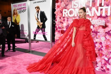 Miley Cyrus steps in for hospitalized Liam Hemsworth at 'Isn't It Romantic' premiere – USA TODAY