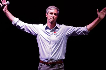 Watch live: Beto O'Rourke joins protest march past Trump's border wall rally in El Paso – USA TODAY