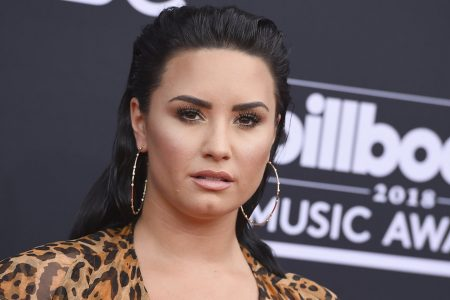 Demi Lovato Deletes Twitter Account After Hateful Backlash Over 21 Savage Meme – HuffPost