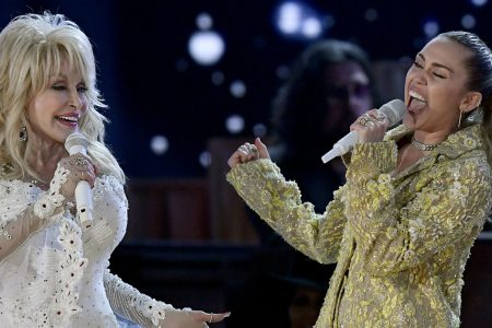 Dolly Parton Shuts Down The 2019 Grammys With Star-Studded Performance – HuffPost