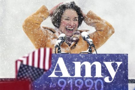 Amy Klobuchar Trolls Trump's Hair With 1 Simple Question – HuffPost