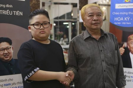 A Vietnamese barber shop right next to Trump and Kim Jong Un's next summit is offering free Trump and Kim-style haircuts – Business Insider