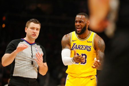 Fans chant 'Kobe's better' while Lebron takes free throws – Fox News