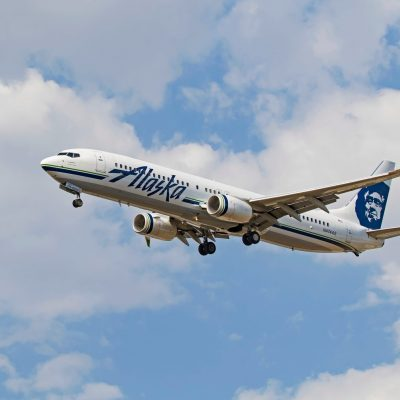 Alaska Airlines passengers, crew treated after strange odor forces flight to divert – Fox News