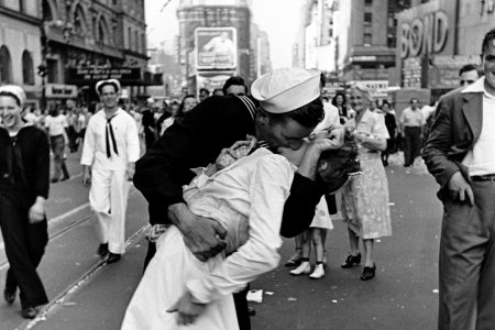 George Mendonsa, identified as 'kissing sailor' in WWII victory photo, dies at 95 – The Washington Post