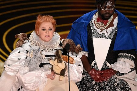 Oscars presenter Melissa McCarthy spoofs 'The Favourite' with bunny-covered outfit – Fox News