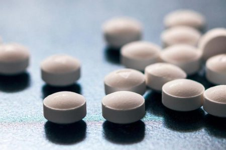 "Opioid epidemic: Did the FDA ignite the crisis? — ""60 Minutes"" – CBS News"