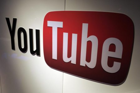 YouTube Bans Adverts on Anti-Vaccination Video Channels – Newsweek