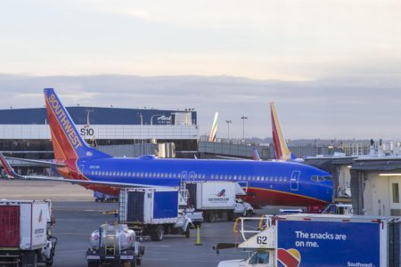 Southwest cancelled flights: Southwest Airlines cancels hundreds of flights amid fight with mechanics – CBS News