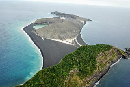 Hunga Tonga Hunga Ha'apai, the Volcano Island That Rose From the Sea, Explored by NASA Scientists for the First Time – Newsweek