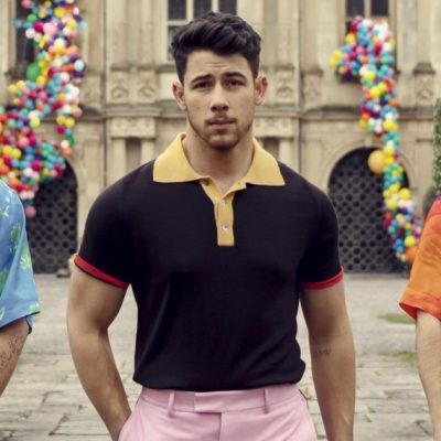 The Jonas Brothers are back with a new single and week-long takeover of The Late Late Show – Entertainment Weekly News