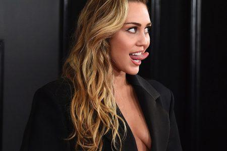 Miley Cyrus risks wardrobe malfunction multiple times at Grammys – Fox News